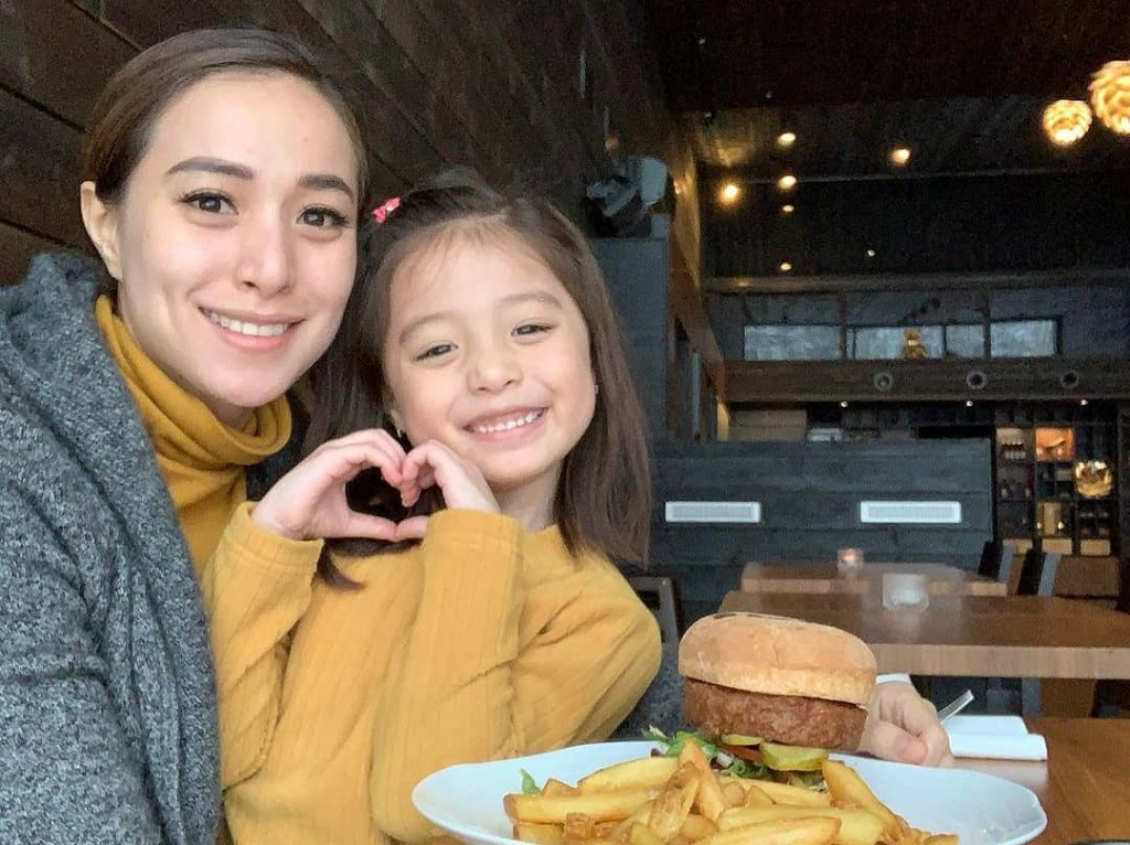 cristine reyes with daughter