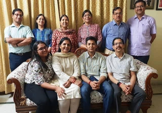 akshat jain family