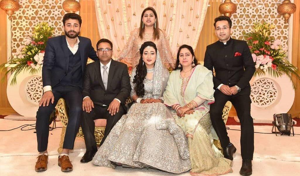 junaid ahmed family photo