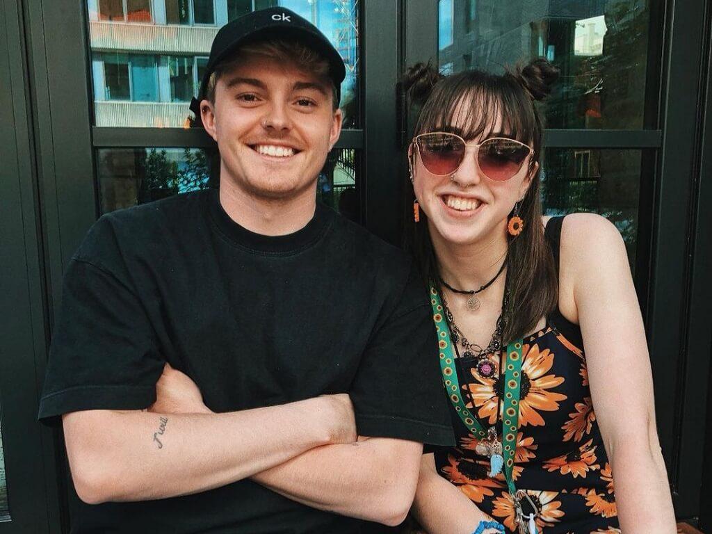 Evie Meg image with boyfriend