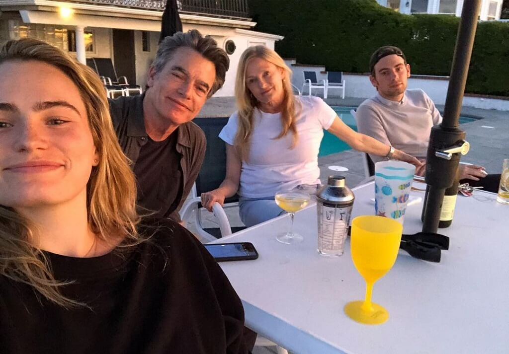 paula harwood family image
